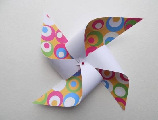 Вертушка из бумаги для детей: варианты детской поделки 1 8