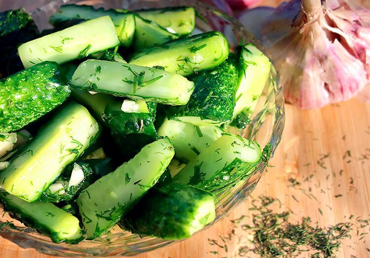 Малосольные огурцы в кастрюле: быстрые и вкусные рецепты malosolnye ogurcy v kastryule 7