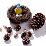 Красивые поделки из сосновых шишек для дома и садика