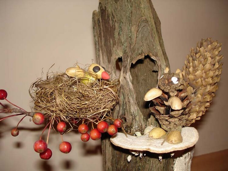 Красивые поделки из шишек на тему Осень для сада и школы podelki iz shishek svoimi rukami 25