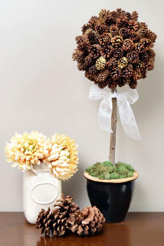 Красивые поделки из шишек на тему Осень для сада и школы podelki iz shishek svoimi rukami 38