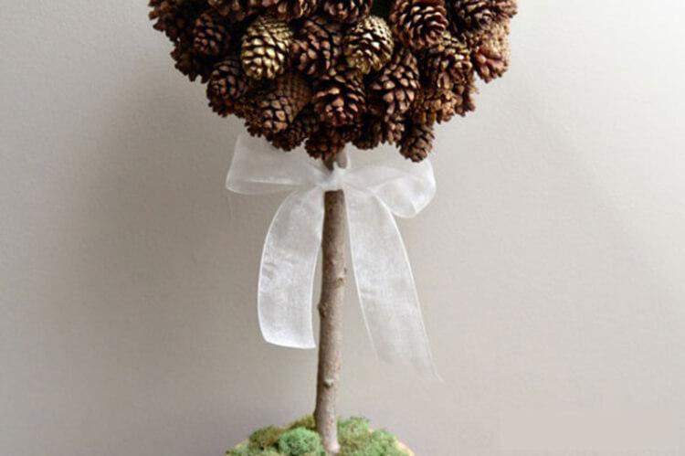 Красивые поделки из шишек на тему Осень для сада и школы podelki iz shishek svoimi rukami 44