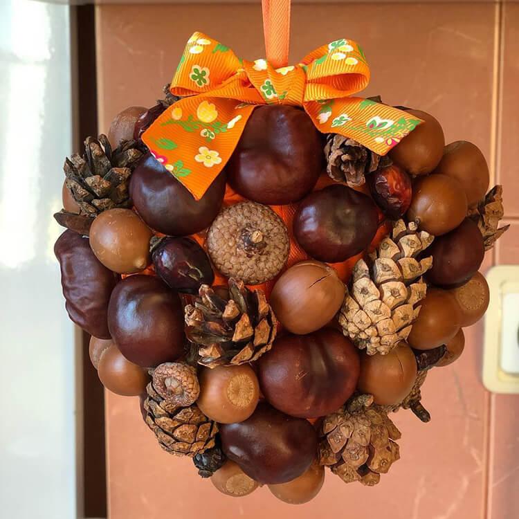 Красивые поделки из шишек на тему Осень для сада и школы podelki iz shishek svoimi rukami 47