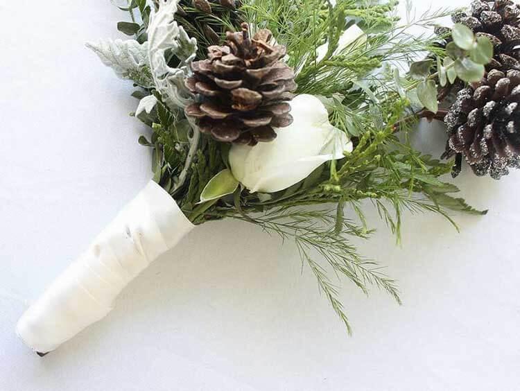 Красивые поделки из сосновых шишек для дома и садика podelki iz sosnovyh shishek 36