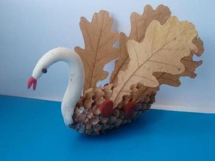 Что можно сделать из шишек для детского сада: варианты поделок podelki v sad iz shishek 6