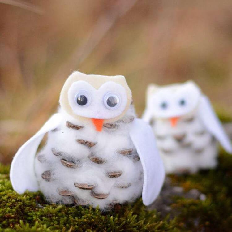 Делаем сову из шишек для детского сада sova iz shishek 10