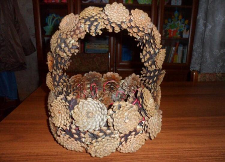 Корзина из шишек: интересная поделка и оригинальный декор для дома korzinka iz shishek 8