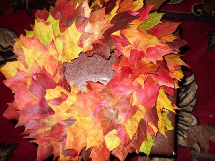 Интересные и красивые поделки из осенних листьев в садик и школу osennie podelki iz listev 19