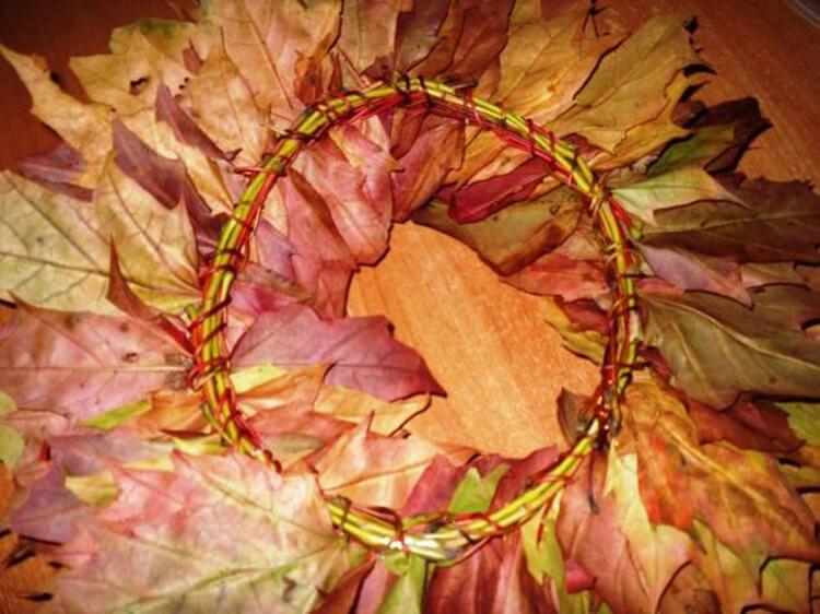 Интересные и красивые поделки из осенних листьев в садик и школу osennie podelki iz listev 22