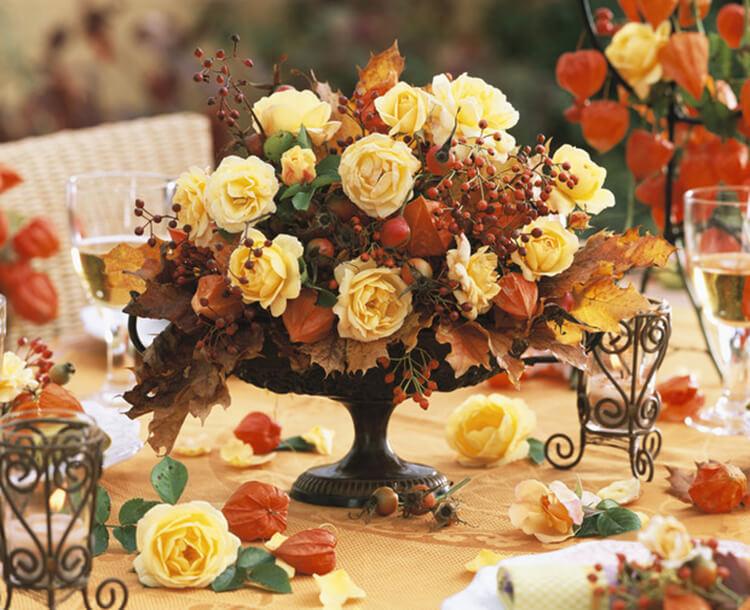 Интересные и красивые поделки из осенних листьев в садик и школу