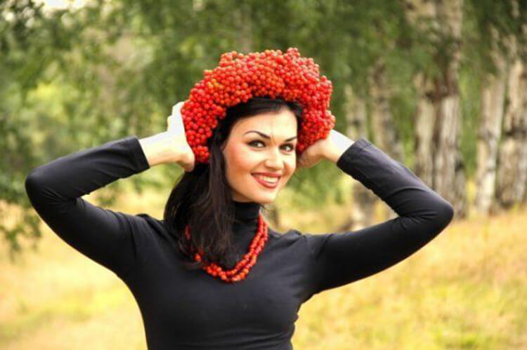Красивый осенний венок: мастер классы, советы, варианты с фото osennij venok iz listev 37