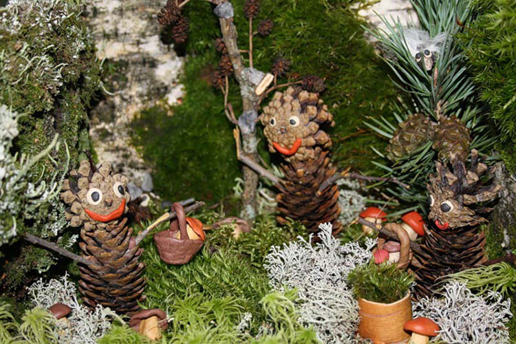 Интересные поделки из шишек в школу на тему Осень podelki iz shishek v shkolu 17