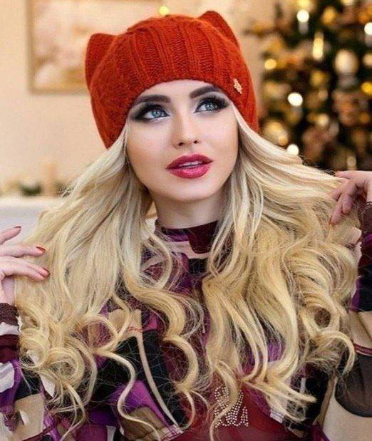 Стильная и модная шапочка Кошка спицами shapka koshka s ushkam14