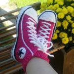 Тапочки Кеды спицами: стильная обувь для дома