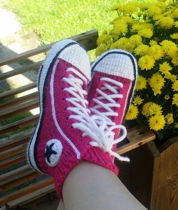 Тапочки Кеды спицами: стильная обувь для дома tapochki kedy spicami 1