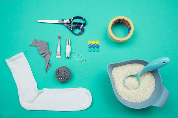 Делаем снеговика своими руками к новому году : различные способы  с фото podelka snegovik svoimi rukami 63