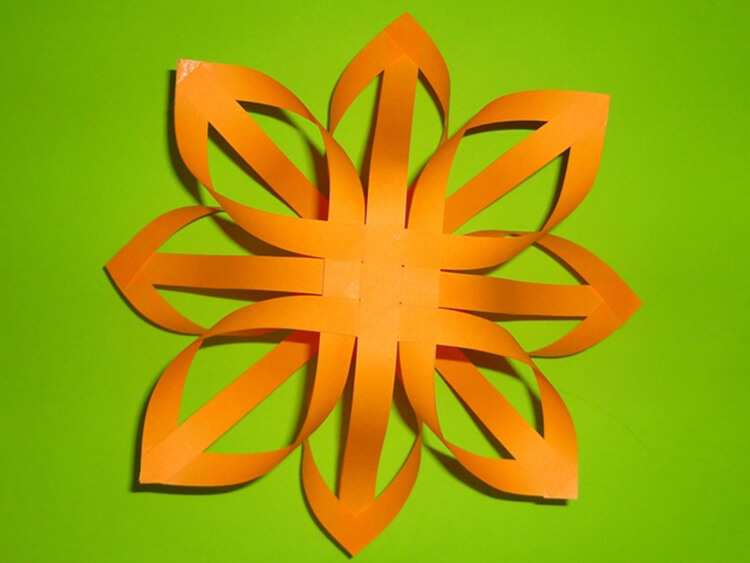 Красивые оригинальные снежинки на Новый год: создаем своими руками, шаблоны с фото snezhinki iz bumagi svoimi rukami 40