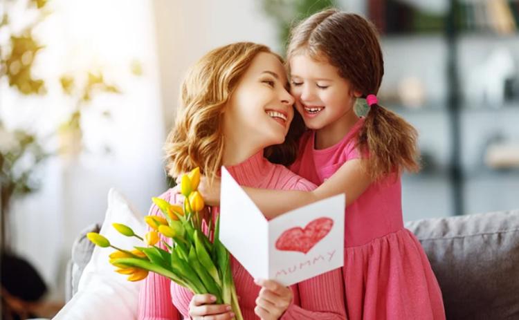 Красивые стихи на день матери: трогательные поздравления для любимых мам stihi mame na den materi 1