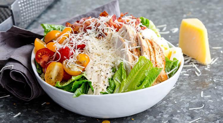 Как приготовить салат Цезарь: вкусные пошаговые рецепты на праздничный или повседневный стол salat cezar s kuricej 1