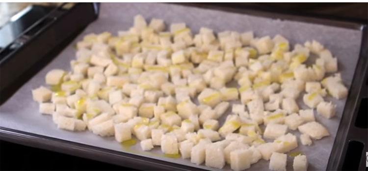 Как приготовить салат Цезарь: вкусные пошаговые рецепты на праздничный или повседневный стол salat cezar s kuricej 17