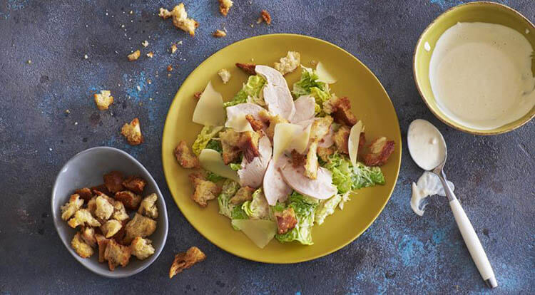 Как приготовить салат Цезарь: вкусные пошаговые рецепты на праздничный или повседневный стол salat cezar s kuricej 2