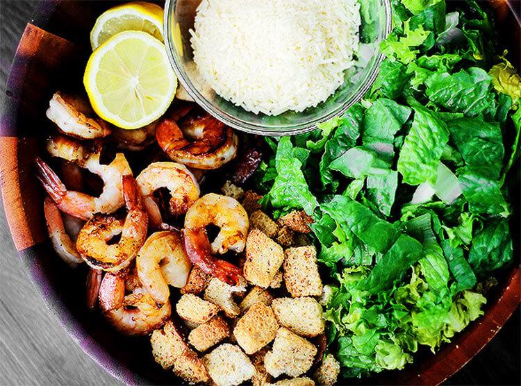 Как приготовить салат Цезарь: вкусные пошаговые рецепты на праздничный или повседневный стол salat cezar s kuricej 26