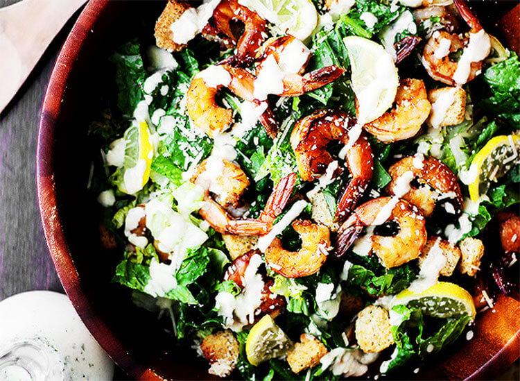 Как приготовить салат Цезарь: вкусные пошаговые рецепты на праздничный или повседневный стол salat cezar s kuricej 27