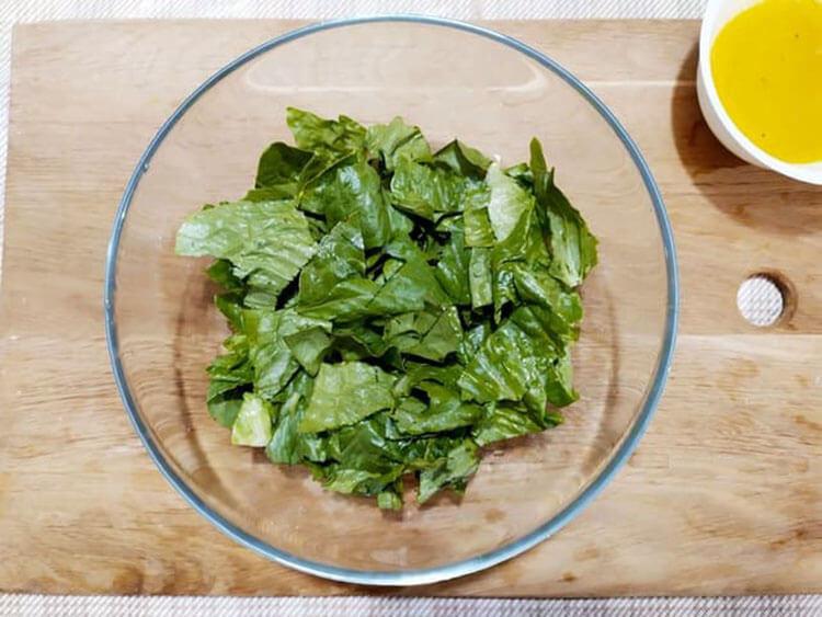 Как приготовить салат Цезарь: вкусные пошаговые рецепты на праздничный или повседневный стол salat cezar s kuricej 7