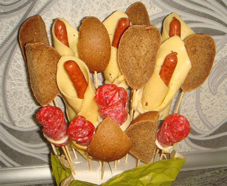 Букет для мужчины на 23 февраля: оригинальный подарок своими руками buket dlya muzhchiny svoimi rukami 90