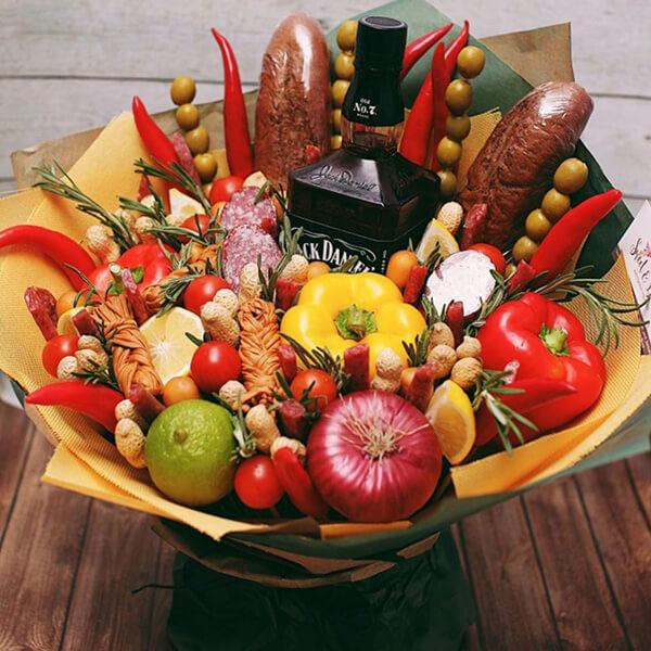 Букет для мужчины на 23 февраля: оригинальный подарок своими руками buket dlya muzhchiny svoimi rukami 98
