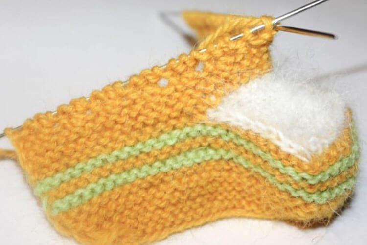 Пинетки для новорожденных малышей спицами: что можно связать для первой обуви малышам pinetki spicami s opisaniem i skhemami 12