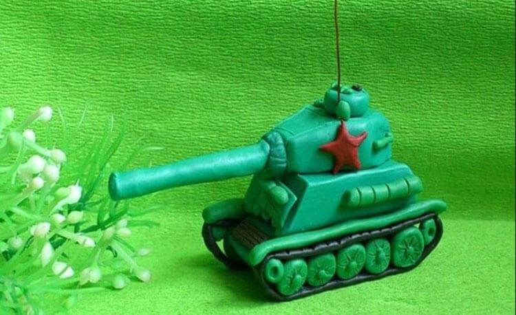 Поделка Танк из различных материалов: отличный подарок на 23 февраля tank svoimi rukami 100