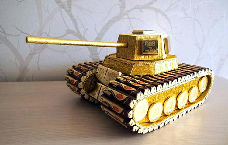 Поделка Танк из различных материалов: отличный подарок на 23 февраля tank svoimi rukami 130