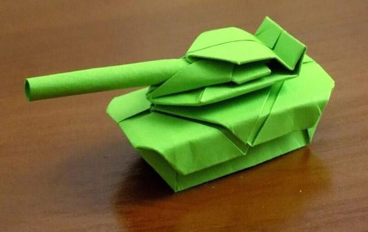 Поделка Танк из различных материалов: отличный подарок на 23 февраля tank svoimi rukami 132