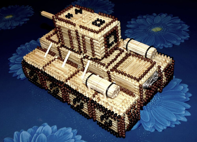 Поделка Танк из различных материалов: отличный подарок на 23 февраля tank svoimi rukami 142