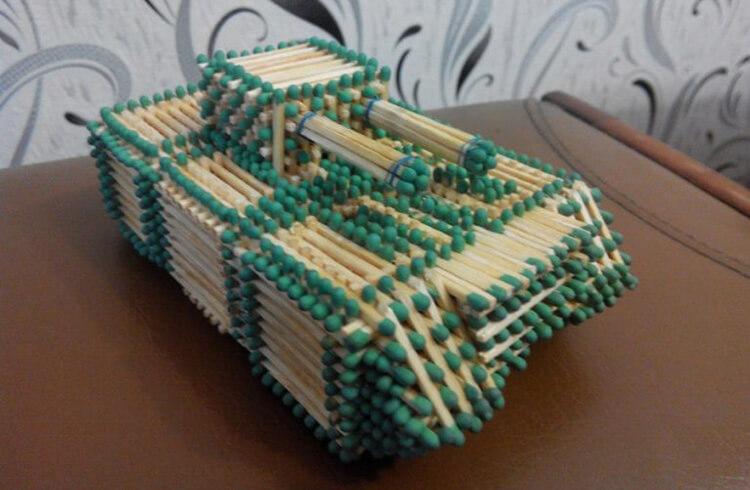 Поделка Танк из различных материалов: отличный подарок на 23 февраля tank svoimi rukami 144