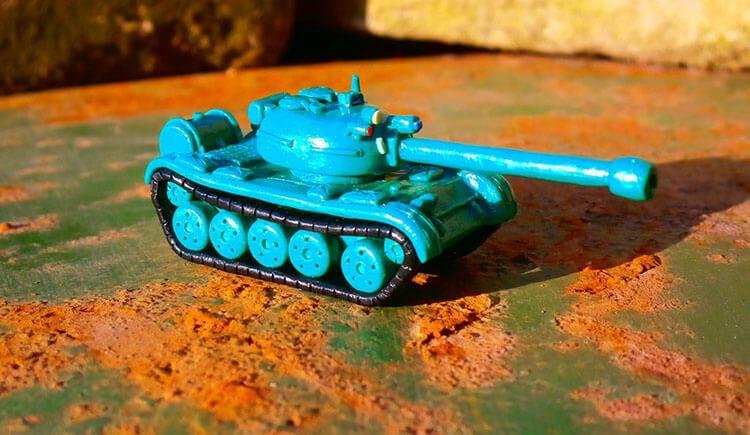 Поделка Танк из различных материалов: отличный подарок на 23 февраля tank svoimi rukami 25