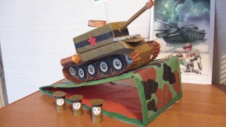 Поделка Танк из различных материалов: отличный подарок на 23 февраля tank svoimi rukami 26