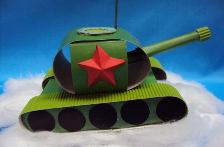 Поделка Танк из различных материалов: отличный подарок на 23 февраля tank svoimi rukami 44