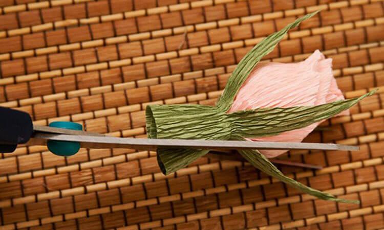 Красивый и сладкий букет из конфет на 8 марта: мастер классы с фото bukety iz konfet svoimi rukami 145