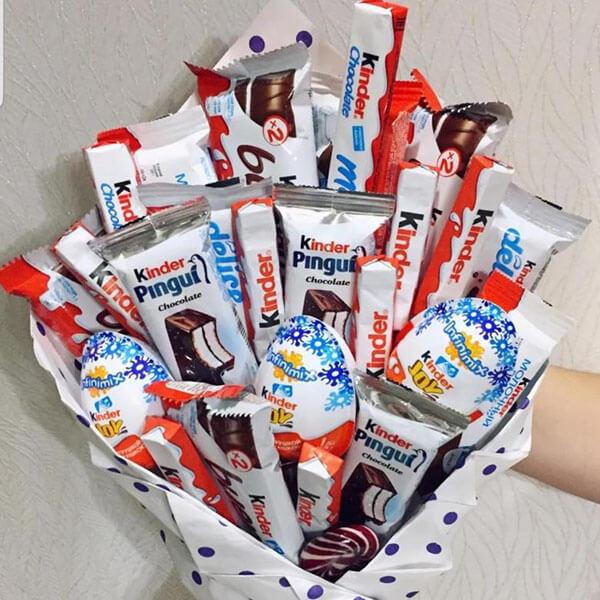 Красивый и сладкий букет из конфет на 8 марта: мастер классы с фото bukety iz konfet svoimi rukami 156