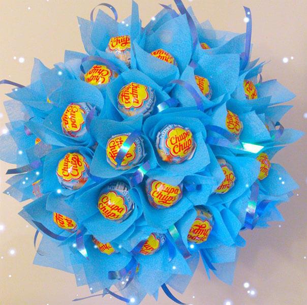 Красивый и сладкий букет из конфет на 8 марта: мастер классы с фото bukety iz konfet svoimi rukami 70