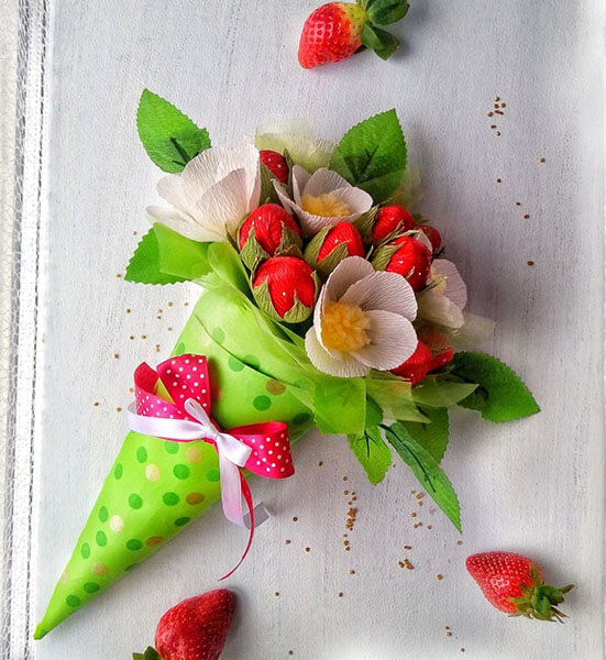 Красивый и сладкий букет из конфет на 8 марта: мастер классы с фото bukety iz konfet svoimi rukami 84