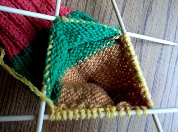 Как связать красивые носки спицами: варианты вязания на 2х и 5ти спицах kak svyazat noski 37