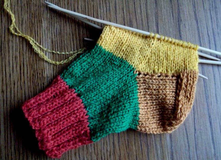 Как связать красивые носки спицами: варианты вязания на 2х и 5ти спицах kak svyazat noski 39