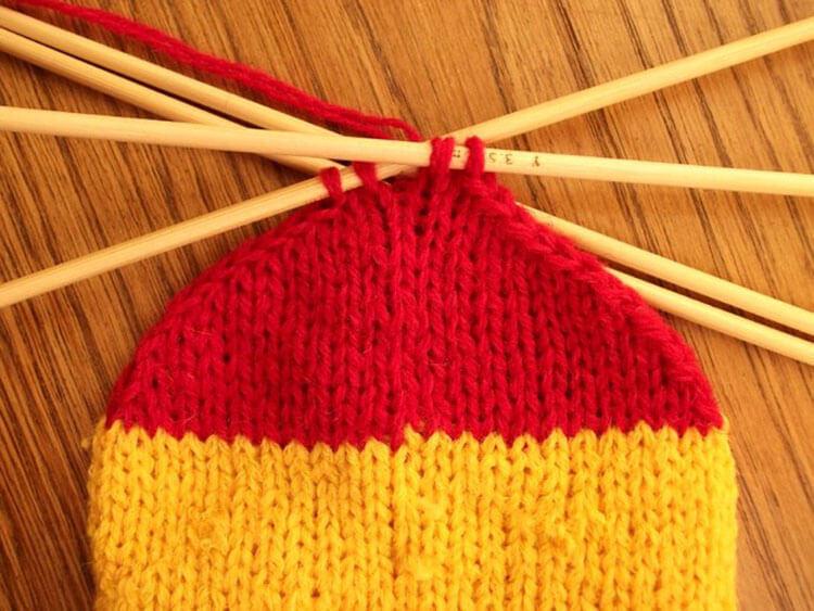 Как связать красивые носки спицами: варианты вязания на 2х и 5ти спицах kak svyazat noski 42