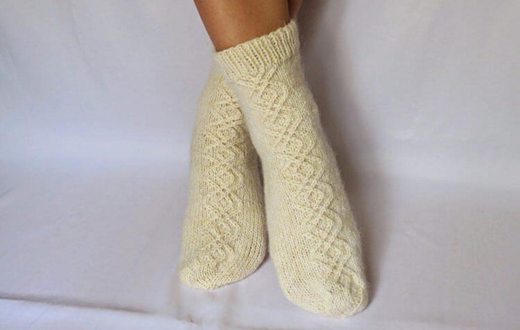 Как связать красивые носки спицами: варианты вязания на 2х и 5ти спицах kak svyazat noski 60