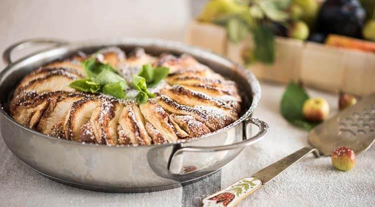 Как приготовить шарлотку с яблоками: вкусные проверенные рецепты sharlotka s yablokami recept 36