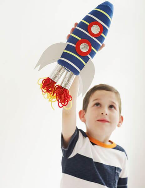 Как сделать ракету своими руками: поделка для сада и школы Podelka raketa 127