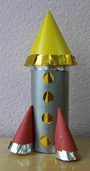 Как сделать ракету своими руками: поделка для сада и школы Podelka raketa 69